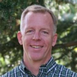 Greg Davis Headshot